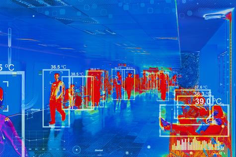 Representación de una cámara que detecta la temperatura de visitantes en un negocio