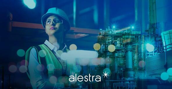 Trabajadora de las construcción combina sus conocimientos  técnicos con la digitalización de la nueva realidad.