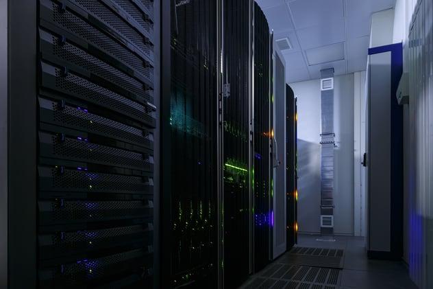 Optimizacion-del-piso-blanco-en-los-Centros-de-Datos-thumbnail.jpg