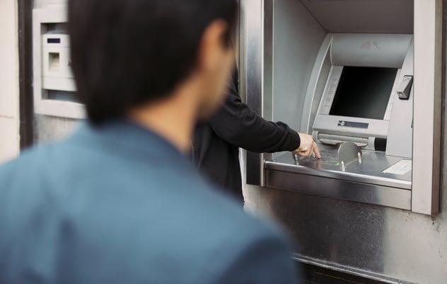 Seguridad de cajeros automáticos